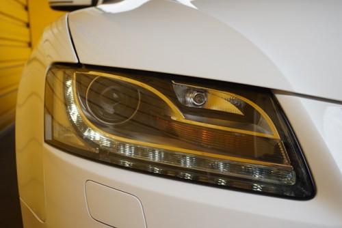 オシャレな純正LEDポジション付きバイキセノンライトです!