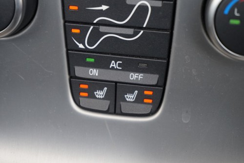 フロントシートはシートヒーターも付いてます!
