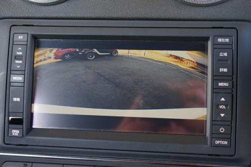 純正SDDナビ&地デジ&バックカメラ付きです。さらに前後コーナーセンサーやETCも付いてます!!
