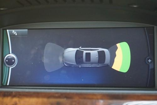 便利な前後コーナーセンサーで、見やすいイラスト表示も御座います!!