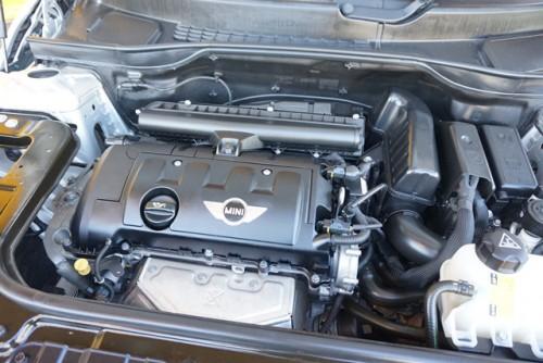 エンジンやその他の機関も良好で、走行距離もわずか1.7万km以内の安心のお買得車です!!