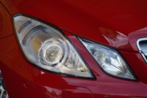 純正バイキセノンライトやLEDドライビングランプなどの豪華装備のお車です!