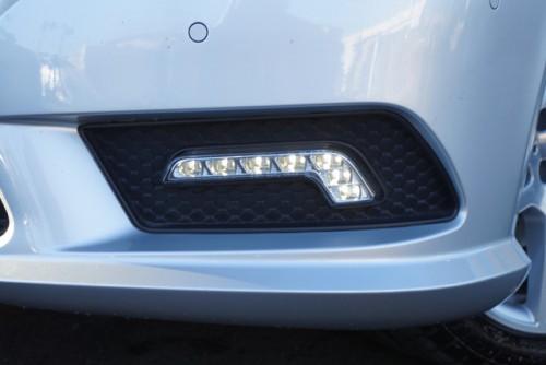 LEDドライビングランプ付きのカッコイイお車です!