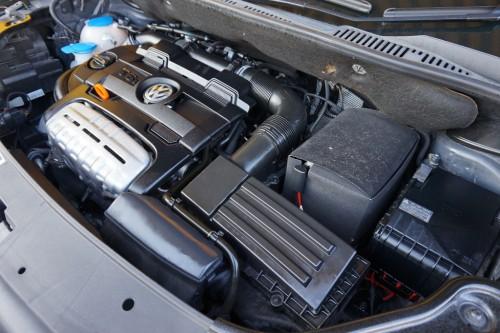 1.4Lターボ+スーパーチャージャー付きエンジン(ツインチャージャー)で走りも楽しめます!!