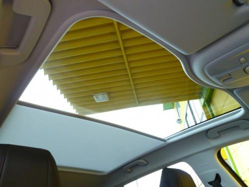 プジョー 308 シエロ ならではの大型パノラミックガラスルーフの装備となっております!